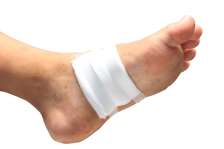 24176226_S_foot_ulcer_bandage_diabetic_infection.jpg