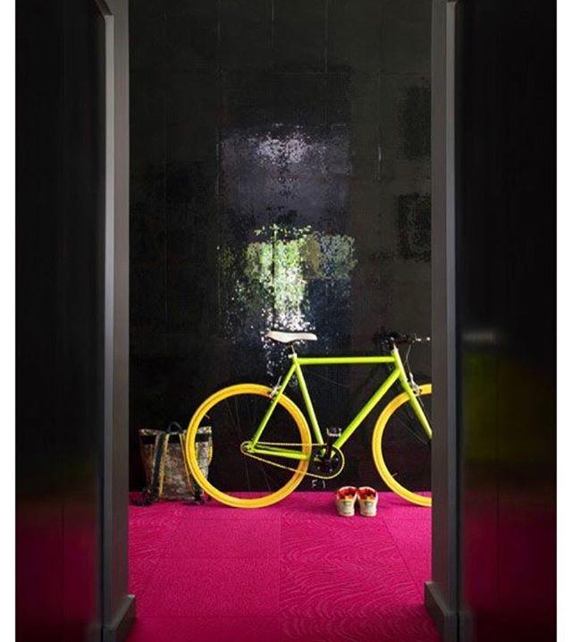 #scenography #decor #installation #entréedappartement #decorhome #architectureinterieure #aureliasantoni #aureliasantoniarchitectureinterieure @aureliasantoni