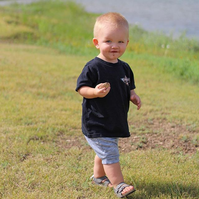 Dirt and rocks kinda day are the best days ❤️ . . Thanks for sharing @livingspunky . . We carry the comfiest outfits for your little ones, hand made with lots of L O V E ❤️