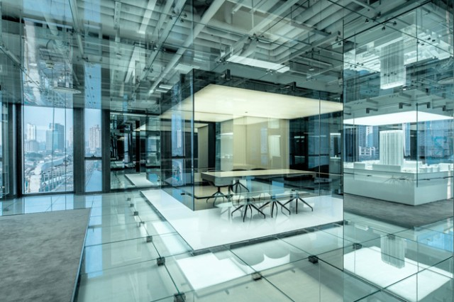 Glass-Office-in-Shanghai-11-640x426.jpg