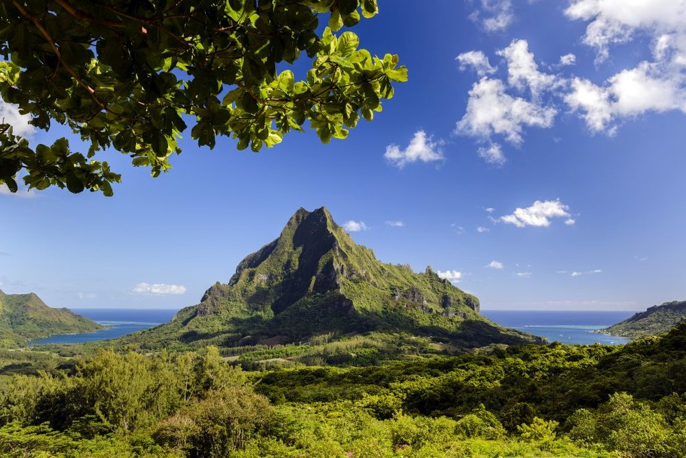 McLennan-Peak-in-Tahiti_Moorea.jpg
