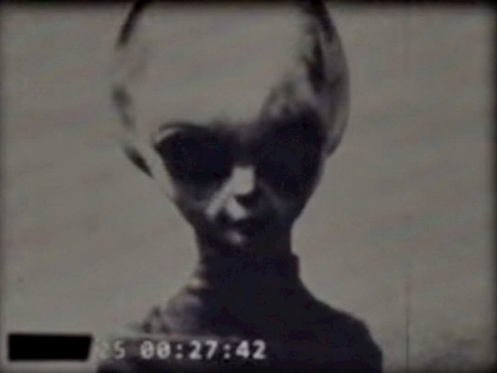 ALIEN ABDUCTIONS - IN THIS 3 PART SERIESWe look at several aspects of the ET phenomena and question our personal experiences so we can shift the perception of ourselves and the construct of reality we live in as well as the purpose behind the Hybridization program.