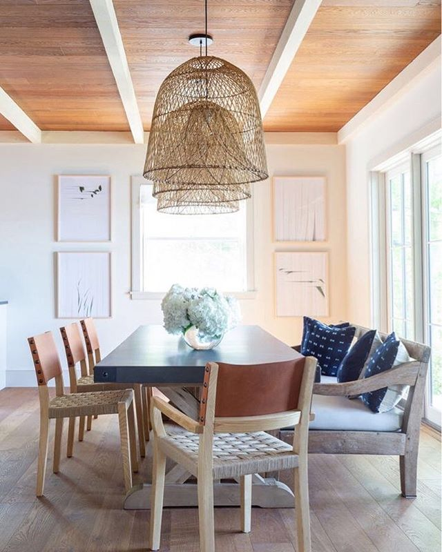 I need a weekend house by the lake! Loving this Berkshire Lake house by @changoandco.❤️—  Have a great weekend everyone! . . . . . . . .interior123 #interior125 #interior444 #interiorinspiration #interiorstyling #passion4interior #interior_and_living #interiorandhome #homedesign #homedeco #interiorforinspo #homeinspiration  #designdetails #simplystyleyourspace #interiordesignmoments #tipsforhome #designisinthedetails #houseandhome #OCHomes #OCInteriors #OCInteriorDesigner #OrangeCountyInteriorDesigner #studioDMM #StyleatHome #OrangeCountyHomes #HomeDecor #HomeDesign #InstaDecor #ModernHome #postitfortheaesthetic