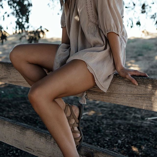A close look at our Ava Tunic. 🔎 #BohoMeCollection #earthtones #gypsydress