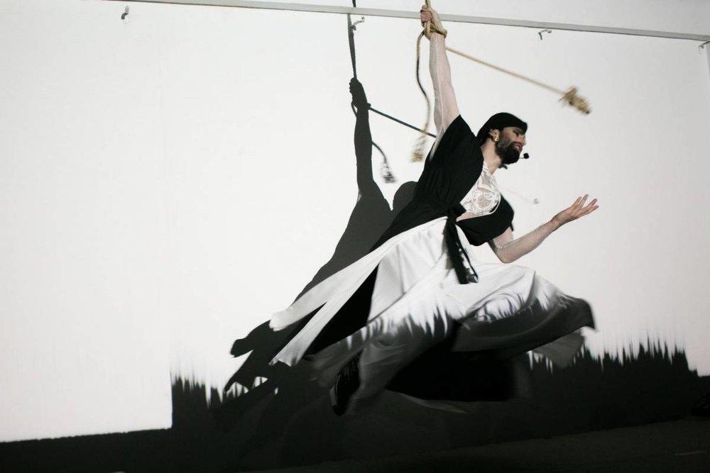 Le ballet aérien de Khansa. Photo Philippe Pernot