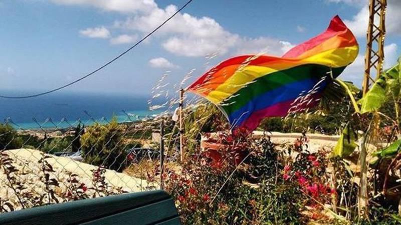 De regenboogvlag in Libanon, bij de Pride vorig jaar BEIRUT PRIDE