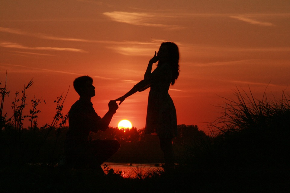 couple-915991_960_720.jpg