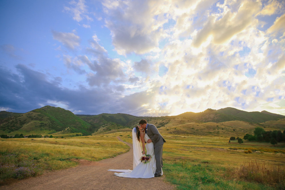 -colorado-wedding-photographer-denver-springs-vail-the-manor-house-