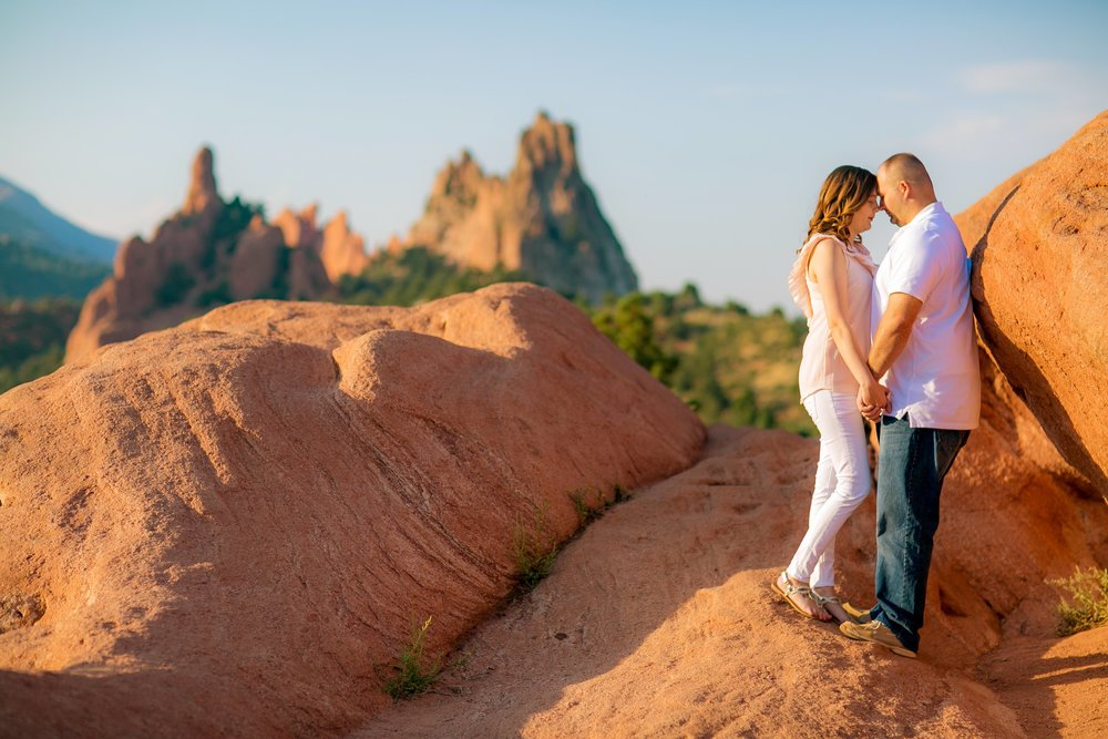 _GARDENOFTHEGODS_coloradoweddingphotographer_www.kisaconrad.com_20170902-607A1317-17 copy.jpeg