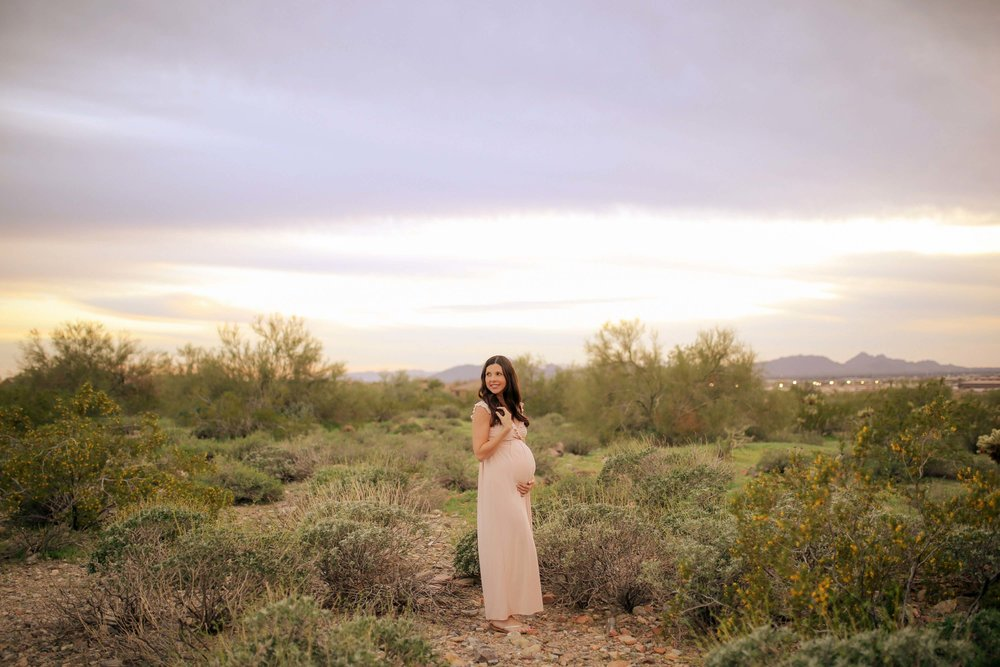AMY + BRAIN  - ARIZONA MATERNITY SESSION