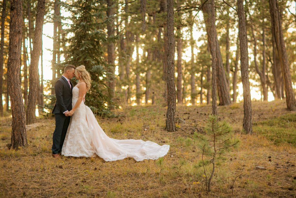 _coloradoweddingphotographer_wedgewoodblackforest_www.kisaconrad.com_20171008-607A9410-396.jpeg