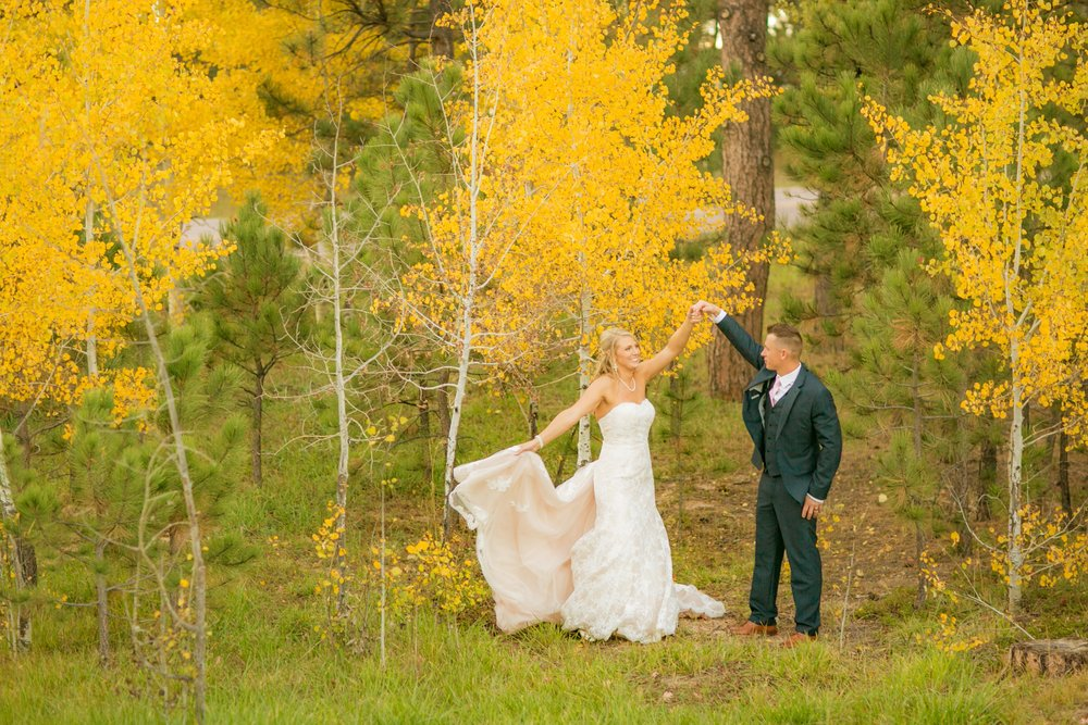 _coloradoweddingphotographer_wedgewoodblackforest_www.kisaconrad.com_20171008-607A9515-425.jpeg