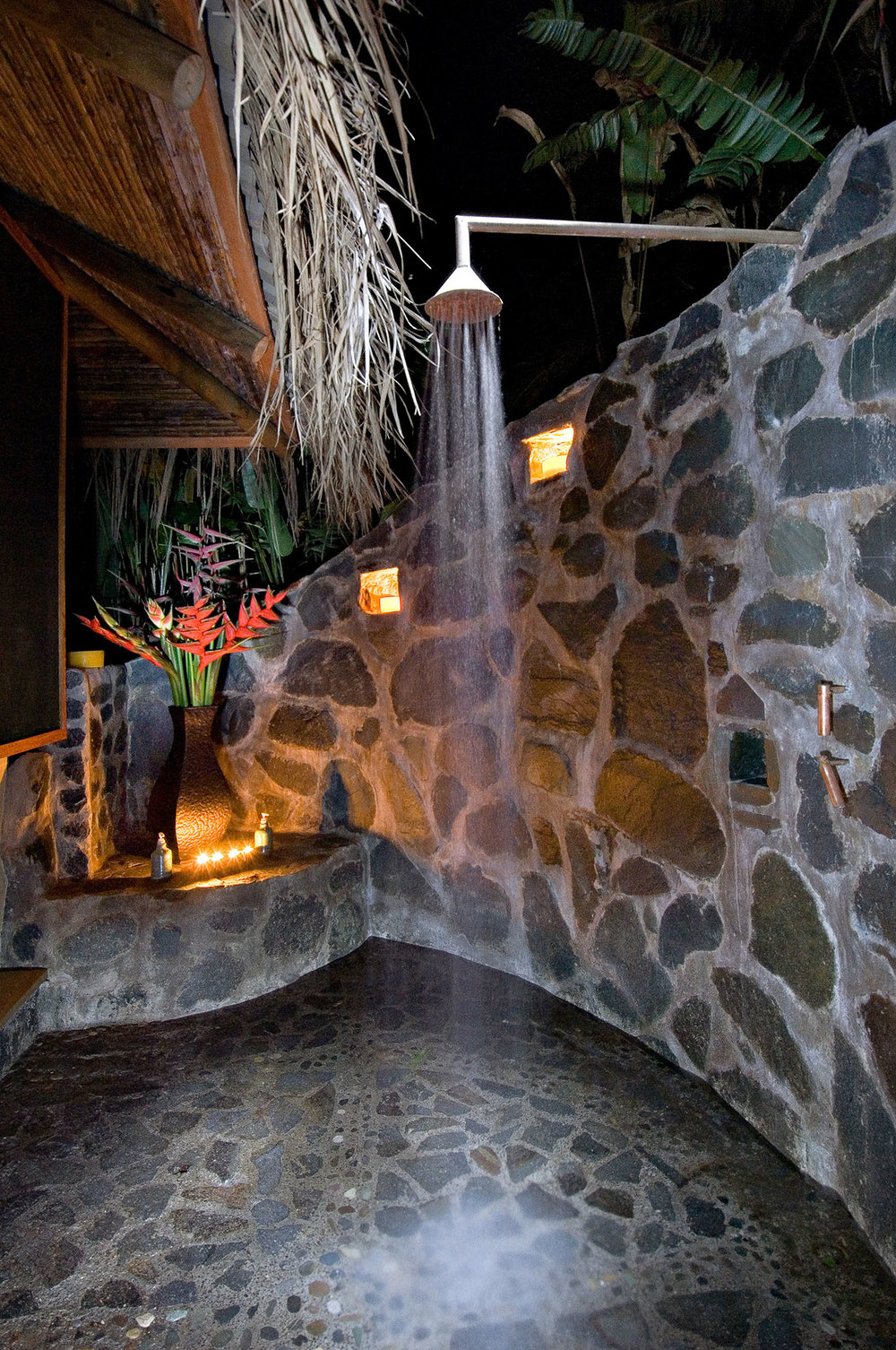 Outdoor Shower, Pacuare Lodge