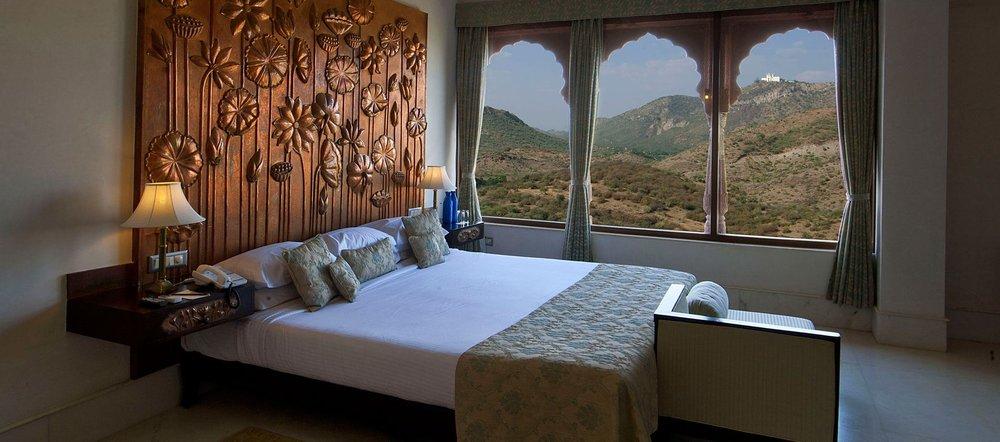 fateh garh udaipur room.jpg