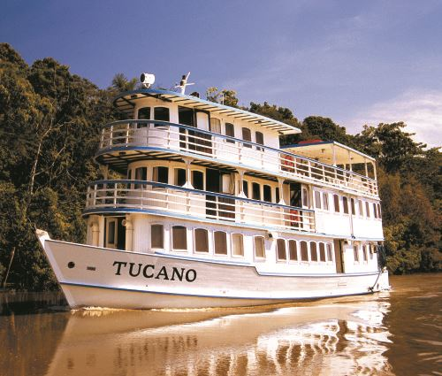 MotorYacht Tucano sailing the Amazon River