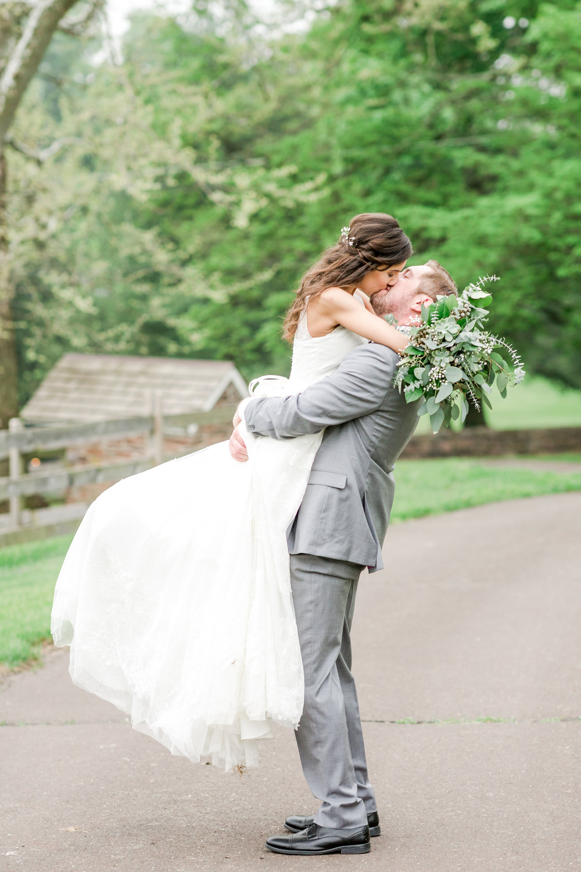 DURHAM HILL FARM WEDDING - PIPERSVILLE, PENNSYLVANIA