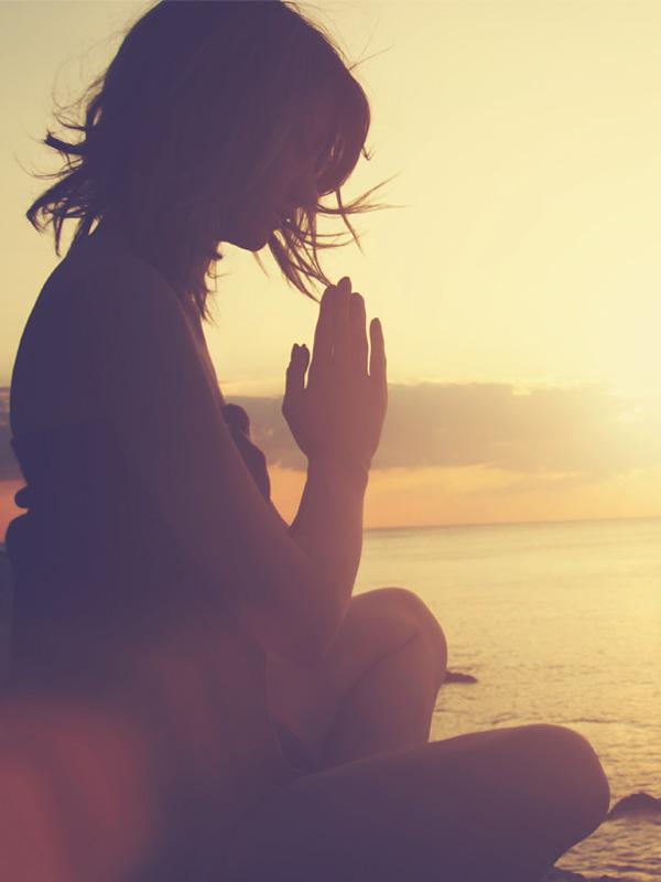 Meditación - 5 minutos de calma en un día reducen niveles de ansiedad, stress y te enraizan para generar cambios internos.