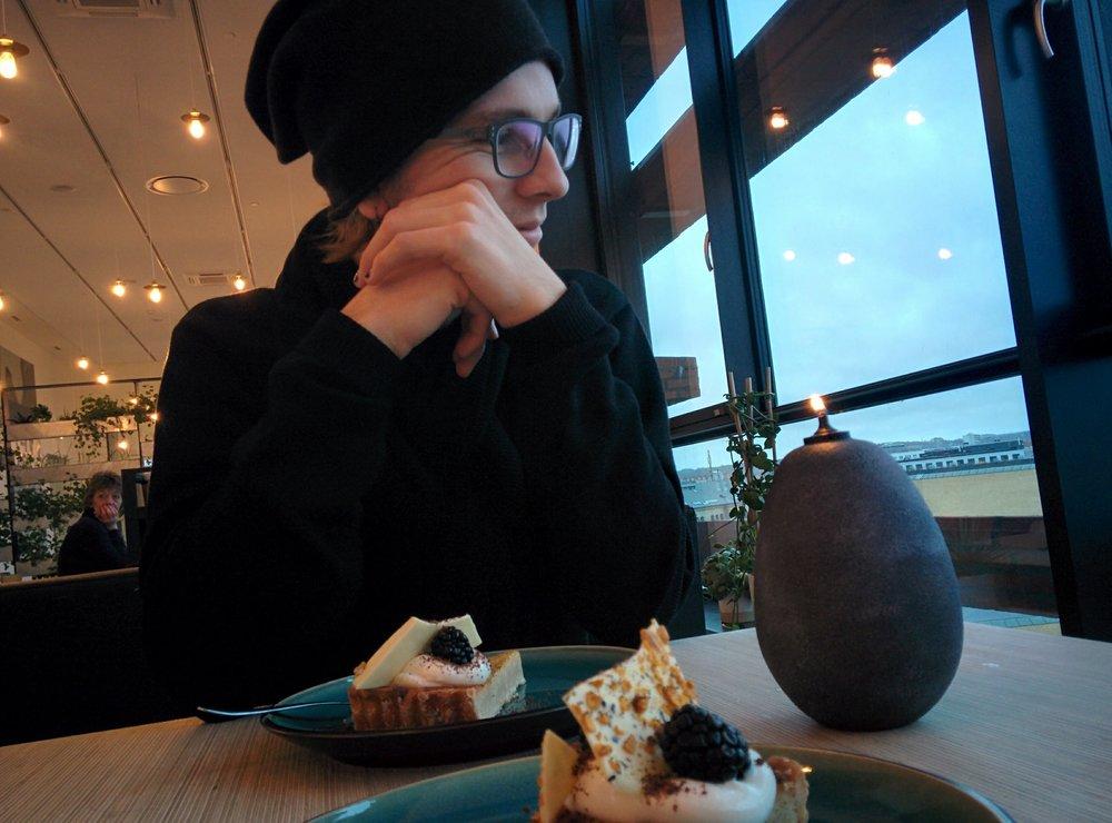 ARoS Cake