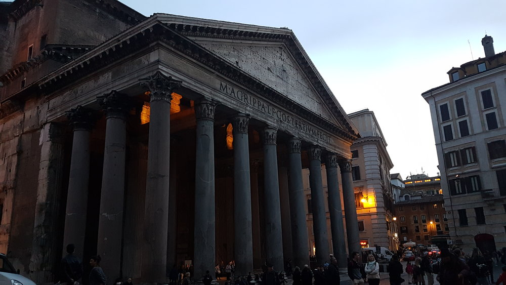 I am exceptionally pleased with this picture I got of the  Pantheon.  No such quality photos exist of the aforementioned plaza and fountain.