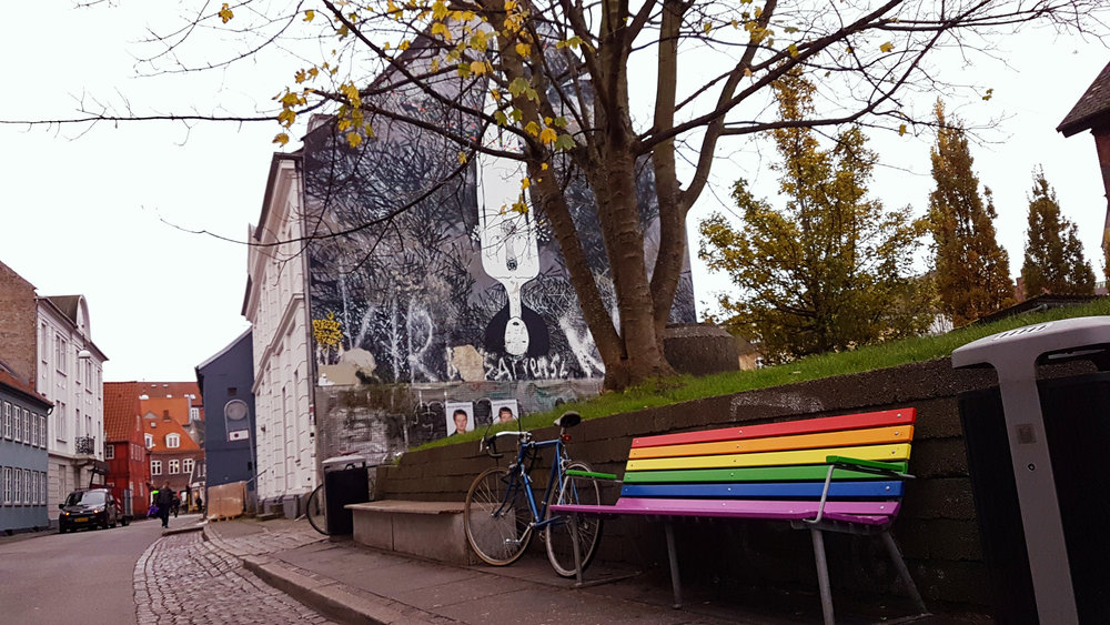 Aarhus is a city full of beauty. In street art, in gay benches, in bicycles. I miss it severely.