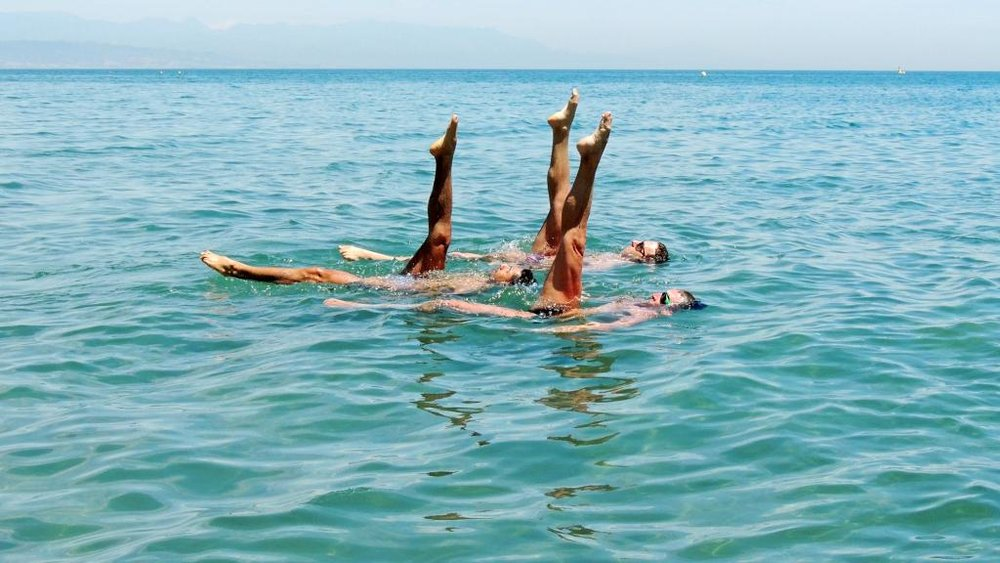 Synchronised Swimming (Photograph: Stock photo)