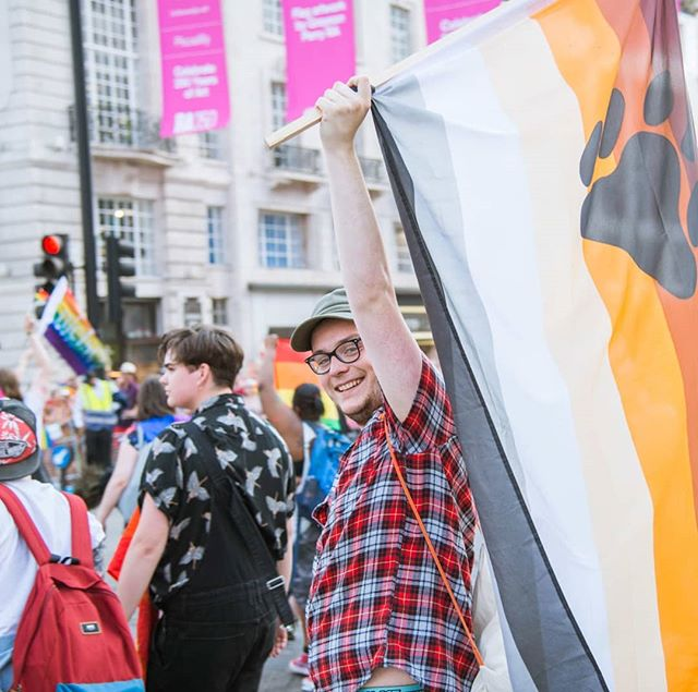 Couldn't BEAR to miss out on being part of the #PrideInLondon parade this summer🐻? Then you'd best apply for a group spot now as applications close at the end of this week!  Click the link in the bio.