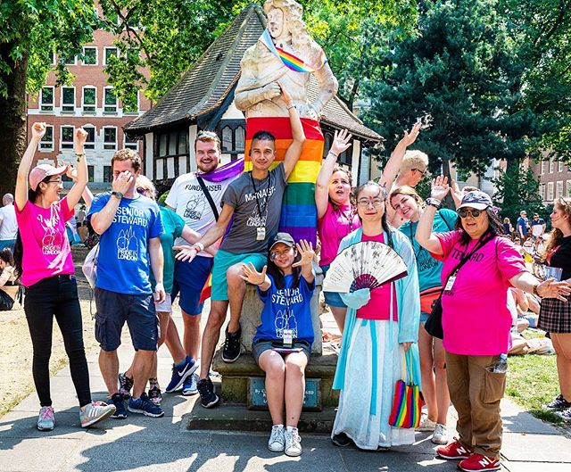 🏳️🌈 #PrideInLondon needs YOU! Help us make 2019 the biggest yet. There are so many ways you can support as a #volunteer Check our story for the link 🏳️🌈
