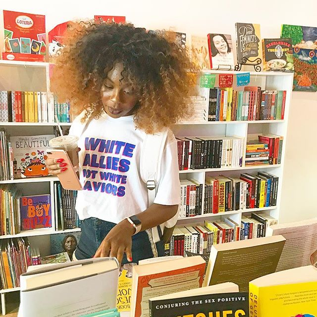 We are thinking of having our book club every month! What books have you been dying to read or think would be a great fit for the club? P.S. @espacio1839  has a top notch selection of feminist and intersectional books. 👌🏽❤️