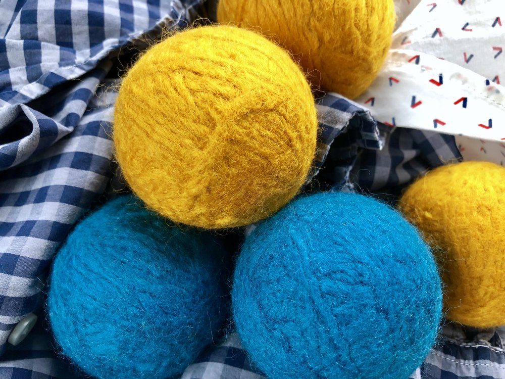DIY Laundry Dryer Wool Yarn Balls and more Spring Cleaning hacks and tips!
