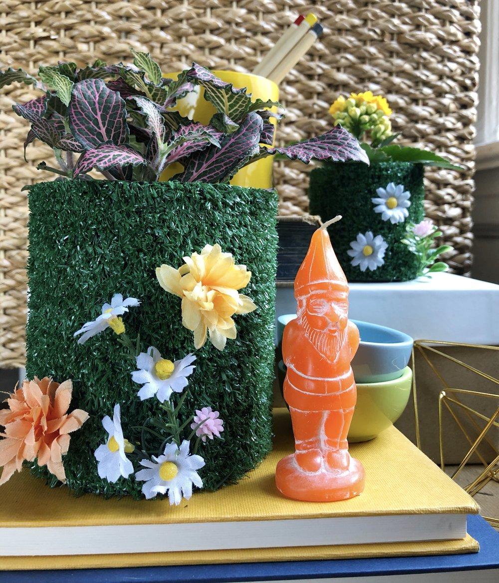 Kitschy Upcycled Tin Can Astroturf Flowerpots for Spring  #spring #crafting #springdiy #decorations #decorationideas #decorationinterieur #gardengnome #hotglue #summerfun #gardening_feature #gardenlife #flower #flowers #flowery #flowerpot #flowering #flower #decoration #garden #summer