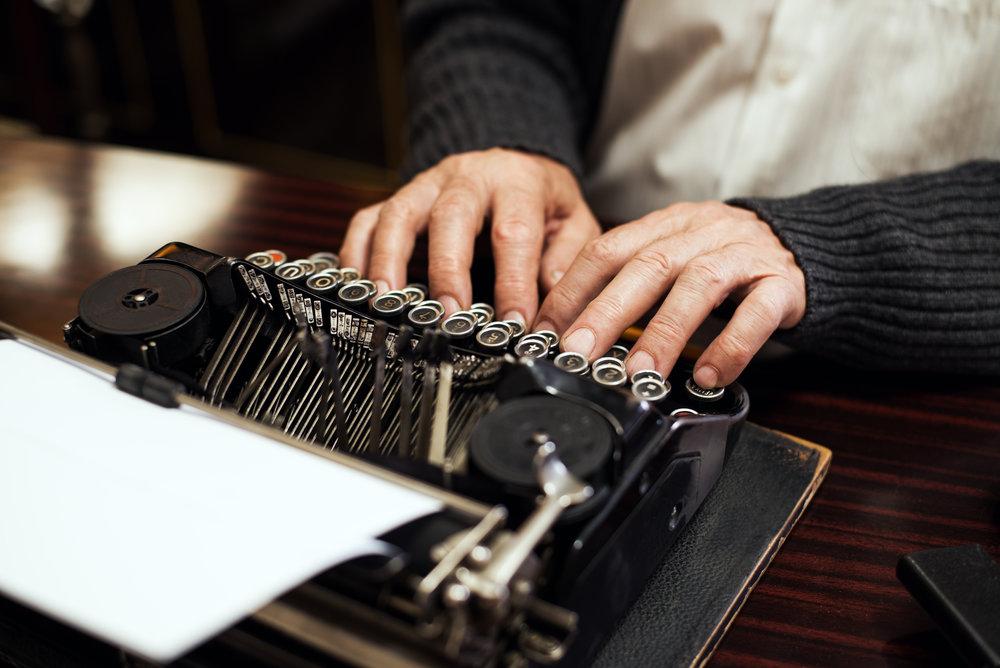 Typewriter_shutterstock_178973081.jpg