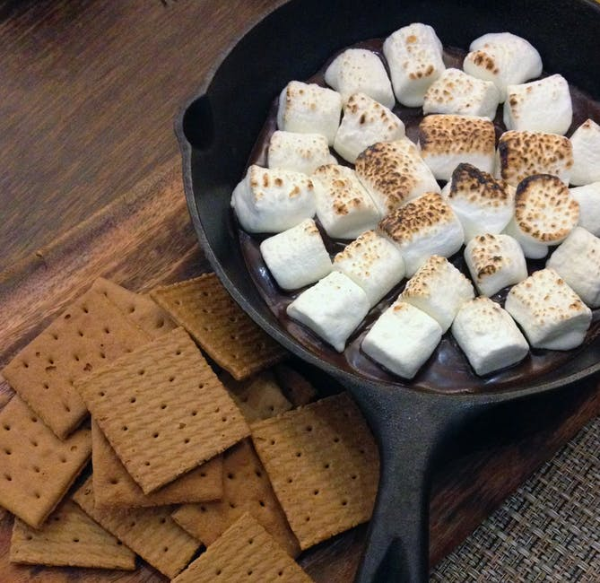 smores-food-dessert-sweet-162970.jpeg