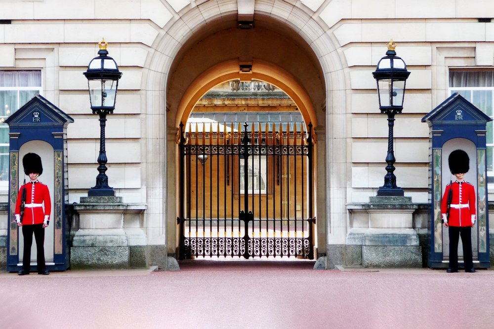 buckingham-palace-978830_v2.jpg