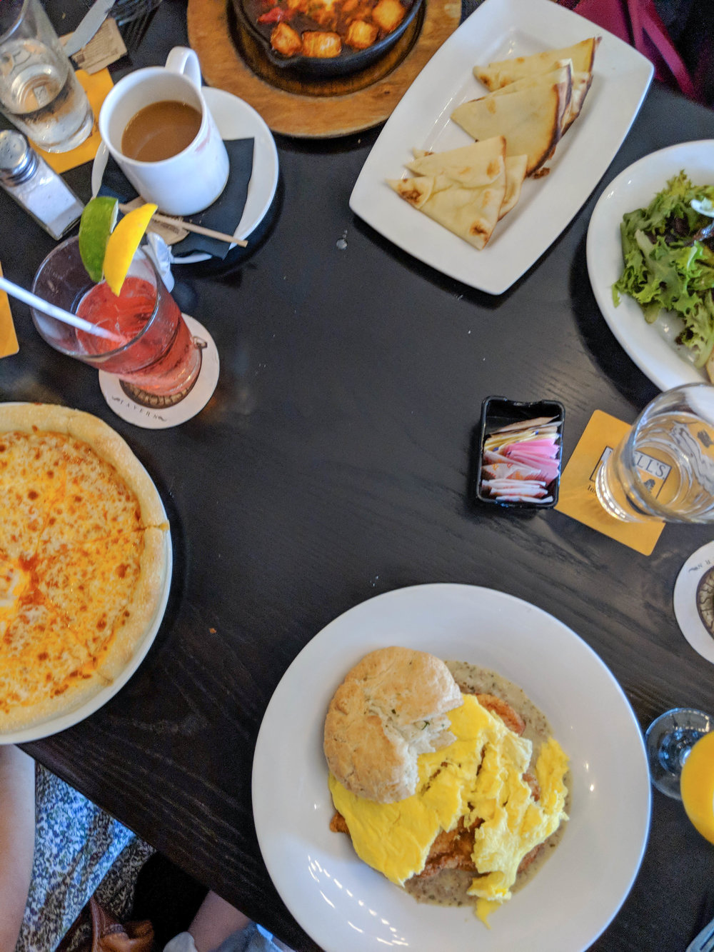 bri rinehart; photography; food; five horses tavern; brunch