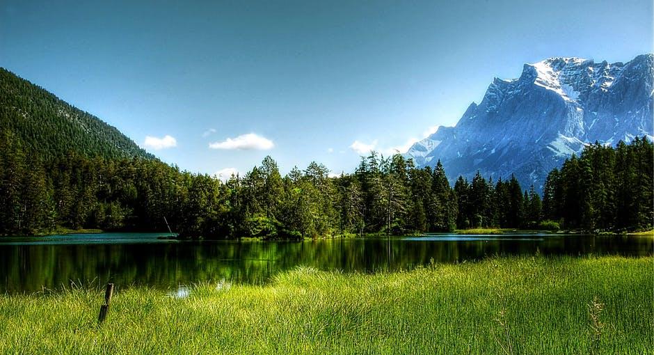 mountain lake.jpeg