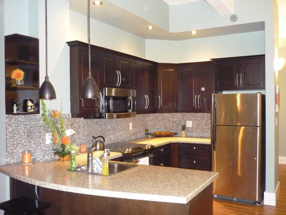 Leader residential kitchen.JPG
