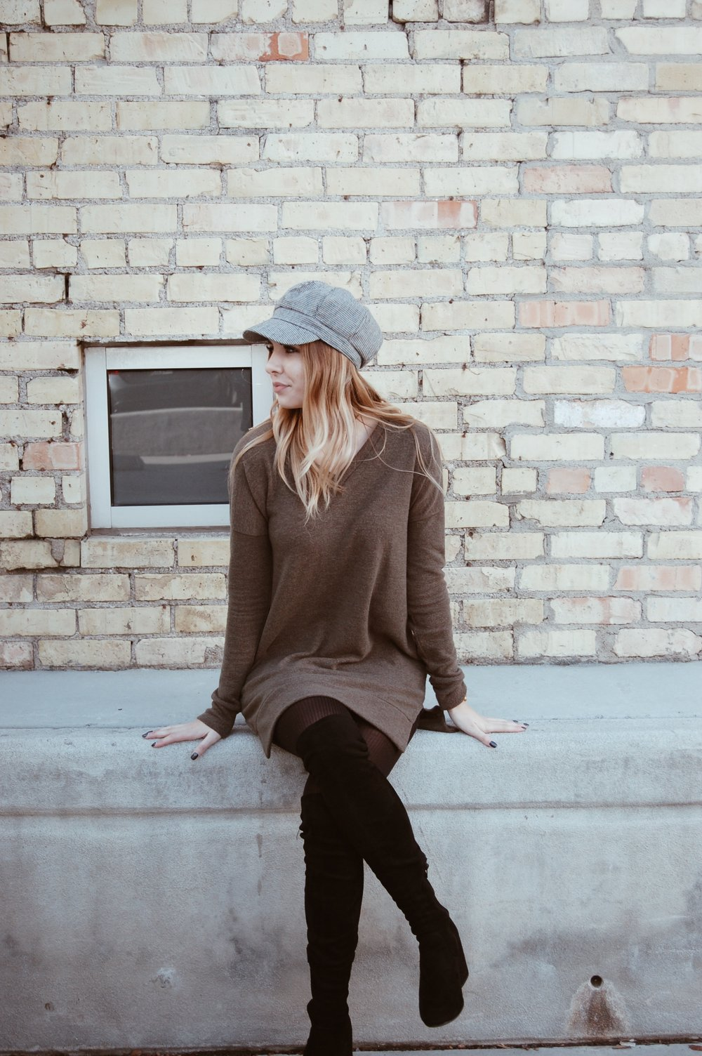 Olive Sweater Dress//  Fleur Fashion Boutique