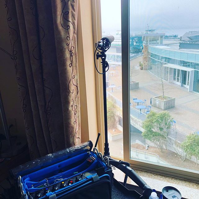 When you don't have to leave your hotel room to capture ferry ambience 👌🏼#freezing #soundmixer #soundrecordist #sounddevices #sennheiser #lectrosonics