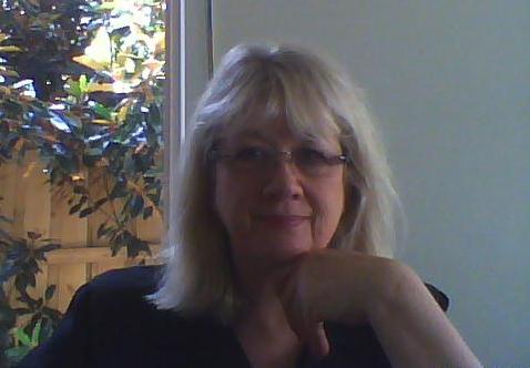 VICKI FRASER A.P.M.- DIRECTOR  M: +61 408 383 788 E: vicki@executiveempowerment.com.au