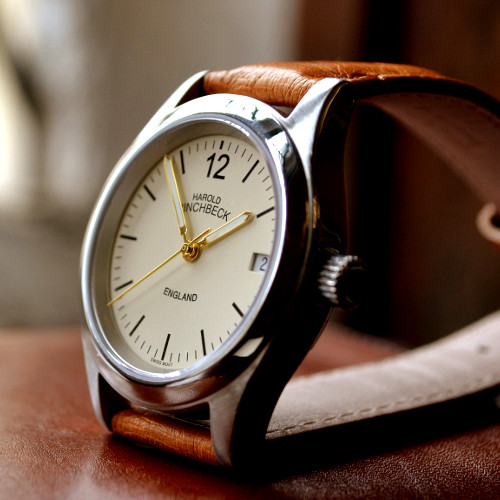 The George - A beautiful and stylish automatic watch, often affectionately called the gentleman's George. A classic and timeless style that has been engineered - and built - to last.Automatic.5 Year warranty.90 Day returns policy.£1399.00
