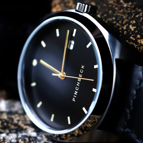 The Ravenspur - A modern, masculine, and strong 42mm diameter watch, the Ravenspur makes a bold and elegant statement on your wrist!Automatic5 Year warranty90 Day returns policy£1699