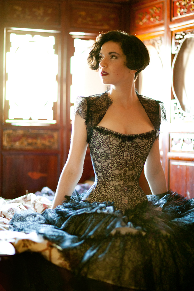 004.marianneSelects_MG_9327-Edit.joelaron2012 Dark Garden Unique Corsetry Couture Nouveau Woman in Black Joel Aron.jpg