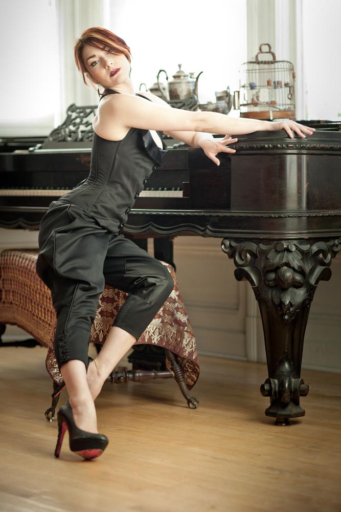 001.MarianneSelects_3_18_MG_9271-Edit.joelaron2012 Dark Garden Unique Corsetry Couture Nouveau Woman in Black Joel Aron.jpg