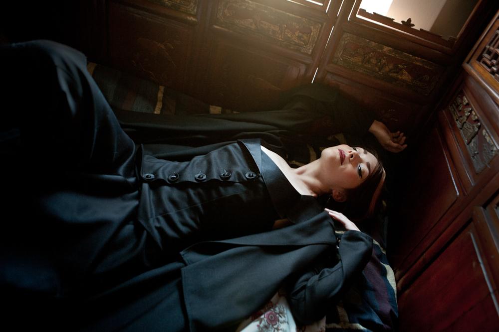 007.marianneSelects_joelaron.com Dark Garden Unique Corsetry Couture Nouveau Woman in Black Joel Aron.jpg