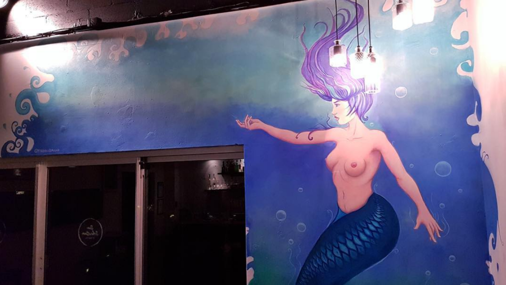 Above image; This is my mermaid wall mural I painted in a bar/restaurant on the Gold Coast, Australia. I will make a more detailed blog post about this piece soon!