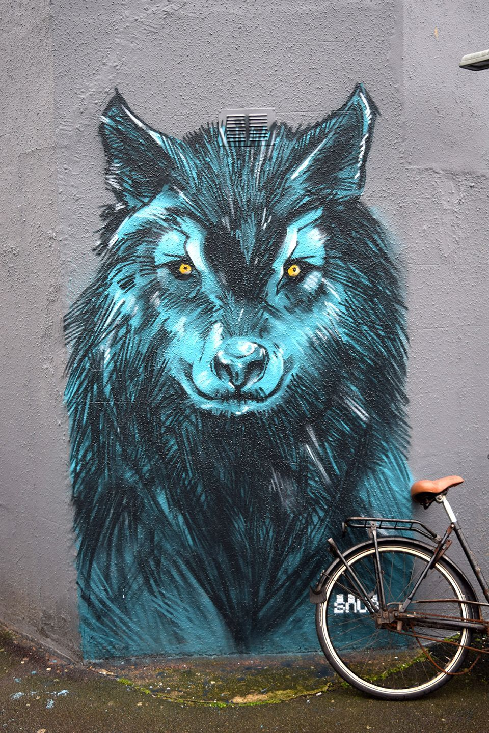 Above image;    And the new wolf who watches over Cheltenham Place.