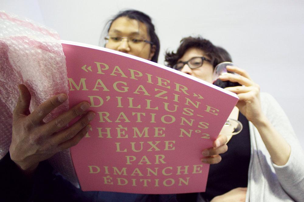 La soirée de lancement de PAPIER N2 était à la Galerie LE COEUR, PARIS 3e. Une exposition d'oeuvres des artistes de PAPIER 2 était installée pour l'occasion.