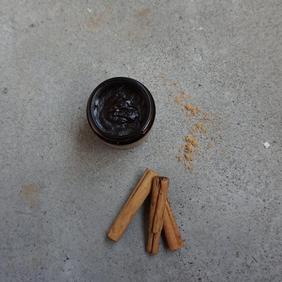 cinnamonsugarbodyscrub.jpg