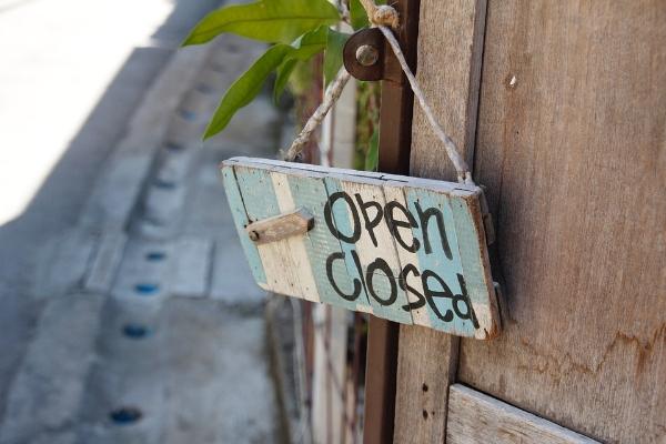 door-sign-1607503_960_720.jpg