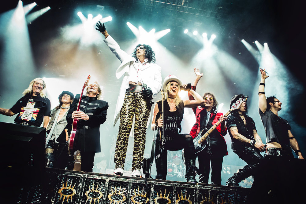 Alice Cooper - Original and current band on stage together